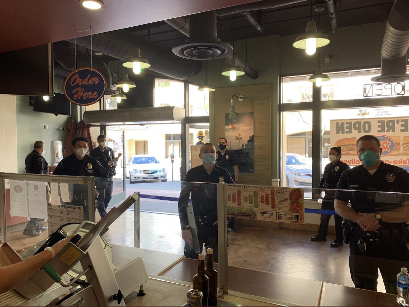 4/15/20 – West LAPD eats at Jersey Mikes for free through Responders First