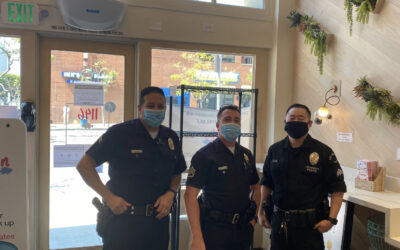 4/19/20 – West LAPD eats at Sweetfin for free through Responders First